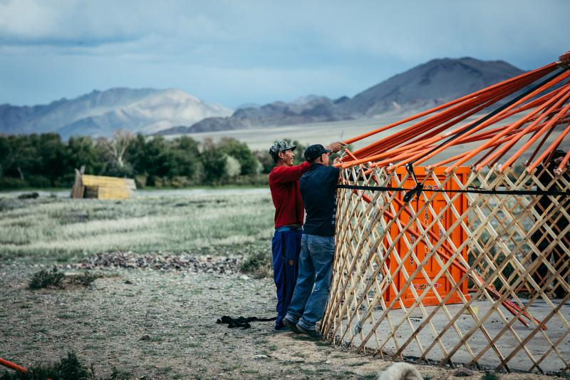 Kazakh nomads can build their home (yurt) within a couple of hours.