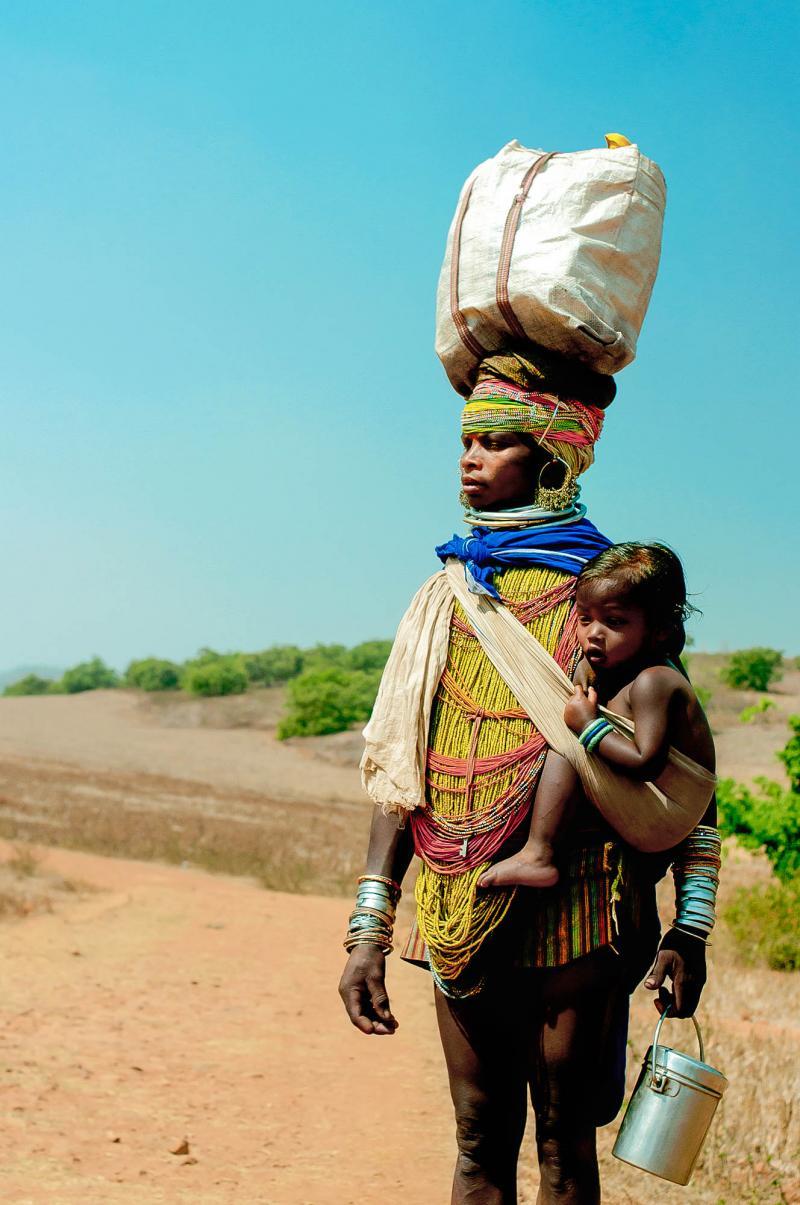 Bonda woman and child fetching water